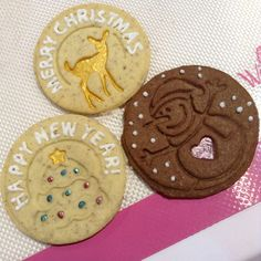 Delicious Christmas Cookies decorated with Royal Icing and made with Silikomart cookie Stamp