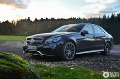 Mercedes-Benz E 63 AMG S in Nürburg, Germany Spotted on by Exclusieveautofotografie Mercedes E Class, Benz E Class, Mercedes Benz Cars, Merc Benz, Car Goals, Top Cars, My Ride, Car Car, Luxury Cars