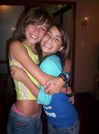 Cande y lali cuando chicas Angela Torres, Angel Show, Amelia Zadro, Series Movies, Old Photos, Bff, Tv Shows, Idol, Teen