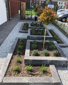 Flower boxes front garden www. Flower boxes front garden www. Garden Yard Ideas, Backyard Patio Designs, Mulch Landscaping, Front Yard Landscaping, Landscaping Ideas, Front Yard Plants, Garden Landscape Design, Small Garden Design, Interior Exterior