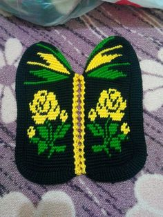 Tunisian Crochet, Knit Crochet, Socks And Sandals, Crochet Blouse, Crochet Slippers, Knitting Socks, Leg Warmers, Diy And Crafts, Projects To Try