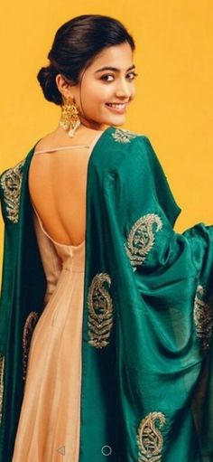 Stylish Blouse Design, Indian Style, Dream Dress, Blouse Designs, Indian Fashion, Fashion Dresses, Roses, Sari, Actresses