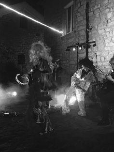 TrioPopcorn le show pop rock interactif - groupe de rock - animation musicale - occitanie gard Nîmes - concert anniversaire soirée privée mariage -  animation musicale originale trio pop corn - groupe de rock à nîmes - musiciens dans le gard - reprise elvis, chuck berry, rolling stones, telephone, pink floyd, dire straits, tina turner Pop Corn, Tina Turner, Animation, Dire, Pink Floyd, Concert, Rolling Stones, Berry, Camping