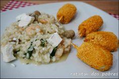 Risotto de camarão, cogumelos, espinafres e queijo feta c/ Muslitos do mar  http://ratatuidospobres.blogspot.pt/2013/12/risotto-de-camarao-cogumelos-espinafres.html