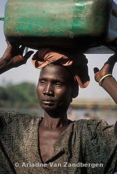 ETHIOPIA, Gambella, Woman