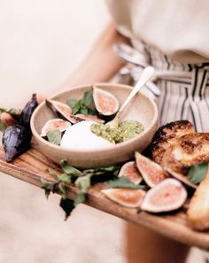 burrata with figs, p