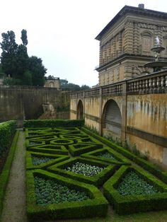"""formal garden, caption from blog at visit to Pitti Palace """"An opportunity for an intricate bed design, this is primarily a viewing garden to be seen from the upper stories of the adjacent building."""""""