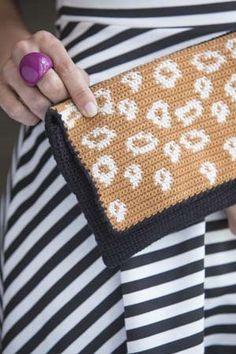 Leopard print crochet clutch? Yes please! It Girl Crochet: Purse