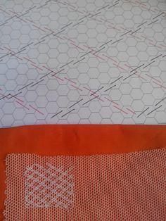 PASTA        El primer gráfico representa a dos pasadas sobre la misma línea, ida y vuelta, subiendo y bajando por todas las celdillas de... Tambour Embroidery, Types Of Embroidery, Embroidery Stitches Tutorial, Embroidery Techniques, Needlepoint Stitches, Needlework, Lace Drawing, Bobbin Lace Patterns, Swedish Weaving
