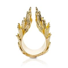 Jasmine Alexander Ascent Victorious ring in yellow gold and diamonds.