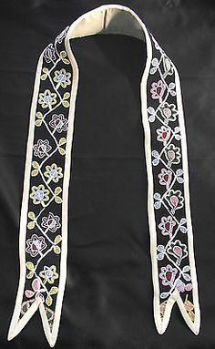 SOUTHEASTERN WOODLANDS BEADED SASH Native American Crafts, Native American Beadwork, War Bonnet, Beadwork Designs, Ribbon Work, Leather Projects, Native Art, Black Fabric, Necklace Chain