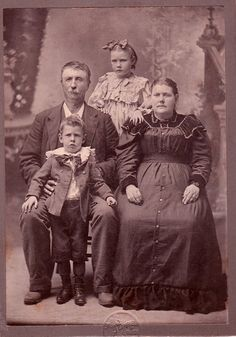 Creepy Vintage Family - Bing Images