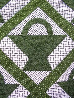 Beautiful Vintage Green White Basket Quilt Tiny Calico Prints All Hand Quilted | eBay, blackbuggyantiques