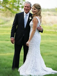 Jenna Bush Hager and George W. Bush at Jenna's wedding to Henry Hager at the Prairie Chapel Ranch in Crawford, TX Southern Wedding Dresses, Celebrity Wedding Dresses, Celebrity Weddings, Wedding Gowns, Lace Wedding, Dream Wedding, Jenna Bush Hager, Chelsea Clinton Wedding, Father Of The Bride Outfit