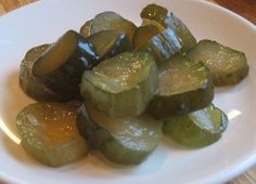 This Craven County Sweet Pickles Recipe is an outstanding recipe has become one of the most requested recipes on my web site and in the United States. I am a lover of sweet pickles on my hamburgers, so this is perfect for me. Homemade Potato Salads, Homemade Pickles, Chutney, How To Make Pickles, Canning Pickles, Freezer Pickles, Refrigerator Pickles, Recipe Box, Pickles