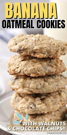BANANA OATMEAL COOKIE RECIPE - delicious and easy drop cookie recipe that is full of banana, oats, chocolate chips, and walnuts. Chunky and chewy! Delicious! Recipe @SnappyGourmet.com #SnappyGourmet #Cookie #Dessert #Baking Homemade Oatmeal Cookies, Banana Oatmeal Cookies, Oatmeal Cookie Recipes, Chocolate Chip Oatmeal, Chocolate Chip Cookies, Chocolate Chips, Banana Oats, Sugarless Cookies, Baking Chocolate