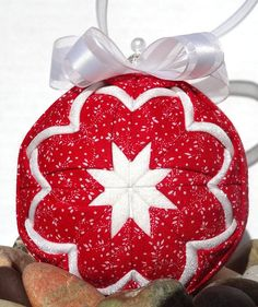 Quilted Ornament Christmas - Red and White--love these!