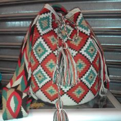 mochilas wayuu con cristales - Buscar con Google Tapestry Bag, Poufs, Margarita, Drawstring Backpack, Fashion Backpack, Backpacks, Google, Projects, Bags