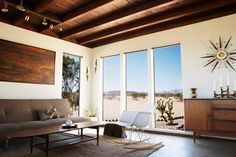 The amazing transformation of a desert cabin in mid century modern house. Click the pic to see more!
