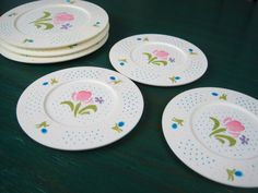 Vintage Chilton Toys Blue and Pink Polka Dot and Flower Pattern Pretend Play Plastic Platesu2013 & Vintage Chilton Toys Corningware Cornflower Blue Patterned Plastic ...