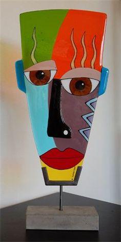 Yvonne Veen, Glinsterend glas, - Fusen - Accessories of Women Cardboard Sculpture, Cardboard Art, Sculpture Art, Tableau Pop Art, Abstract Face Art, Ceramic Mask, Picasso Art, Masks Art, Fused Glass Art