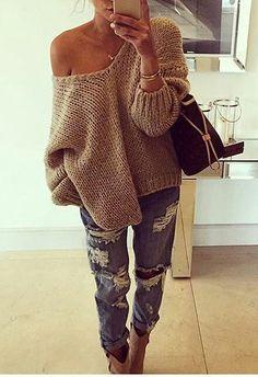 #street #style / oversized beige sweater ripped boyfriend outfit