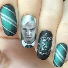 58 Harry Potter Nail Art Ideen, die pure Magie sind – Jade Lee 58 Harry Potter Nail Art Ideas That Are Pure Magic Harry Potter Nagelkunst Harry Potter Nail Art, Harry Potter Nails Designs, Images Harry Potter, Harry Potter Characters, Us Nails, Hair And Nails, Maquillage Harry Potter, Nailart, Magic Nails
