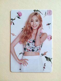 SNSD Girls' Generation 2016 GREETINGS CALENDAR [ OFFICIAL ] PhotoCard - Taeyeon