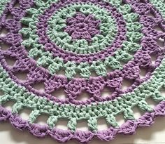 Free pattern Mandala Island Rug MaritParit | Hoooked ༺✿ƬⱤღ http://www.pinterest.com/teretegui/✿༻