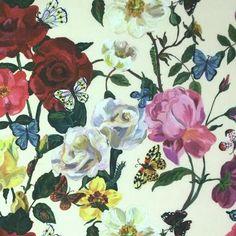 STOFFE<p></p> > VORHANGSTOFFE & DEKOSTOFFE<p></p> > Blumenstoffe, florale Stoffe<p></p> > Tapeten Stoffe Vorhangstangen im englischen, schwedischen & französischen, historischen Stil, Landhausstil & von Laura Ashley
