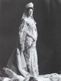 Alexandra Feodorovna, Familia Romanov, Statue, Victorian, Marriage, Dress, Princesses, Valentines Day Weddings, Weddings