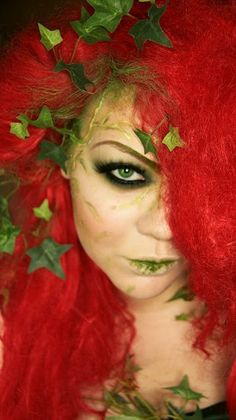 Poison Ivy look by Makeup Your Jangsara. looks like she just ate some ivy. Halloween Kostüm, Halloween Cosplay, Halloween Costumes, Halloween Face Makeup, Disney Costumes, Halloween Tutorial, Trendy Halloween, Halloween Inspo, Fairy Costumes