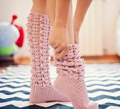 Instant download Crochet PATTERN for socks pdf by monpetitviolon Ok I now what to do this winter...I love them ❤️