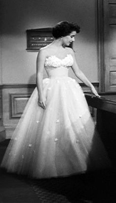 Elizabeth Taylor in A Place in the Sun. White dress designed by Edith Head