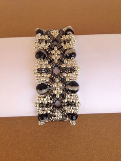 Inanna bracelet Miyuki seed beads 15/0, 11/0, 8/0 - Czech O-beads - Pearls 6mm