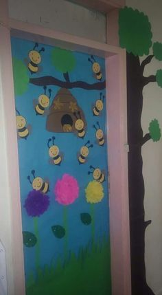 Bee door decorations