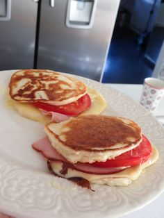 keso=cottage cheese - recipe in [swedish? Breakfast Low Carb, Breakfast Snacks, I Love Food, Good Food, Yummy Food, Healthy Food, Low Carb Recipes, Cooking Recipes, Sandwiches