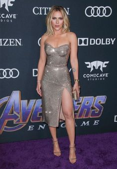 Brie Larson, Chris Hemsworth and More Attend L. Premiere of Avengers: Endgame Black Widow Scarlett, Black Widow Natasha, Natasha Romanoff, Alexandra Daddario, Elizabeth Olsen, Hollywood Celebrities, Female Celebrities, Chris Evans, Fashion 2020