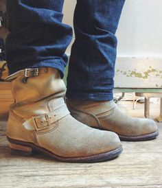 Happy to annouce the Red Wing Shoe Store Amsterdam has got a complete restock of the Red Wing Shoes 8268 Steel Toe Engineer in Abilene! Red Wing Engineer Boots, Red Wing Boots, White Boots, Jeans And Sneakers, Jeans And Boots, Red Wing Shoe Stores, Rigger Boots, Mens Boots Fashion, Motorcycle Boots