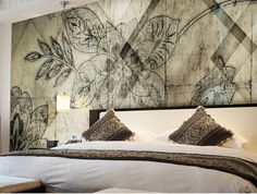 Panoramic wallpaper with floral pattern IRIS Geometric Collection by N.O.W. Edizioni