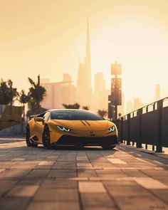 Lamborghini Huracan Launched as the replacement for the Lamborghini entry level series the Gallardo the Huracan is the most successful ever sold car for the brand. Carros Audi, Huracan Lamborghini, Maserati, Bugatti, Ferrari Car, Luxury Sports Cars, Top Luxury Cars, Automobile, Car Backgrounds