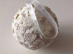 Vianočná guľa - biela svadobná