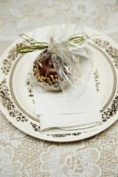Carmel Apples as Wedding Favor