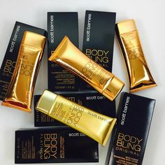 Scott Barnes #Body Bling... Αυτό το δημοφιλές μαυριστικό σώματος χαρίζει σε όλους σέξι, #όμορφο και λαμπερό δέρμα ... #MustHave προϊόν για το οπλοστάσιο #ομορφιάς κάθε γυναίκας! ❤ ☀   Find Here ➡ http://www.beautytestbox.com/woman/proionta?manufacturer=190&brand=279_190 #beautytestbox #beautybox #beautytestboxeshop #Greekeshop #eshop #bodycare #beauty #beautyblogger #ScottBarnes #BodyBling #bodycream #Platinum #Original #cosmetics #BeautyGreece #facecare
