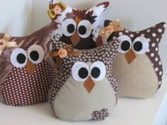 mold for chicken door weight Owl Fabric, Fabric Toys, Fabric Crafts, Owl Crafts, Diy And Crafts, Owl Pillow, Felt Owls, Creation Couture, Craft Sale