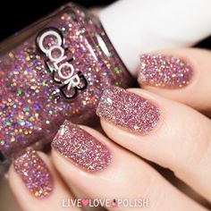 (pink holographic glitter) I really wish it said whar color this is. The brand I can see: ClorClor Club. I *neeeed*Color