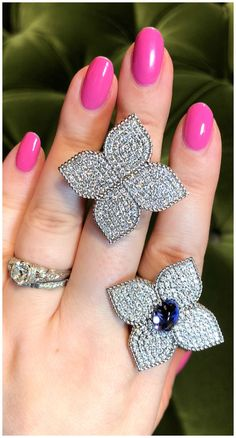 Two beautiful flower rings by Italian jewelry designer Roberto Coin! Diamonds with tanzanite. Two beautiful flower rings by Italian jewelry designer Roberto Coin! Diamonds with tanzanite. Vintage Diamond Rings, Vintage Rings, Flower Rings, Diamond District, Italian Jewelry, Bridal Ring Sets, Roberto Coin, Jewelry Designer, Conflict Free Diamonds