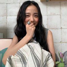 Kpop Girl Groups, Korean Girl Groups, Kpop Girls, Blackpink Jisoo, Yg Entertainment, My Girl, Cool Girl, Lisa Black Pink, Rapper
