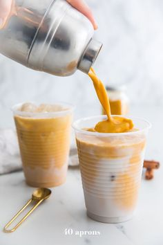 This iced golden milk turmeric latte is paleo and vegan loaded with anti-inflammatory turmeric and other ancient healing spices. It comes together so quickly and is naturally sweetened super refreshing and perfect for warmer weather. This iced golden Yummy Drinks, Healthy Drinks, Yummy Food, Healthy Food, Breakfast Drinks Healthy, Healthy Recipes, Refreshing Drinks, Whole Foods, Whole Food Recipes