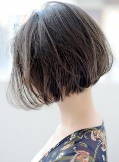 2018 前下がりボブパーマ グレージュ|髪型・ヘアスタイル・ヘアカタログ|ビューティーナビ